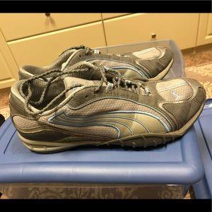 Women's puma shoes size 10 gray blue low top